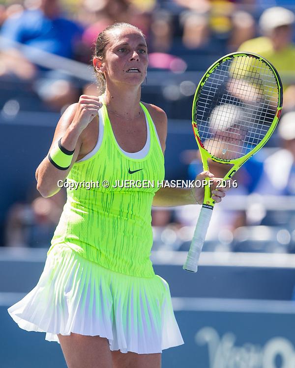 ROBERTA VINCI (ITA) macht die Faust und jubelt,Jubel,Emotion,<br /> <br /> <br /> Tennis - US Open 2016 - Grand Slam ITF / ATP / WTA -  USTA Billie Jean King National Tennis Center - New York - New York - USA  - 2 September 2016.