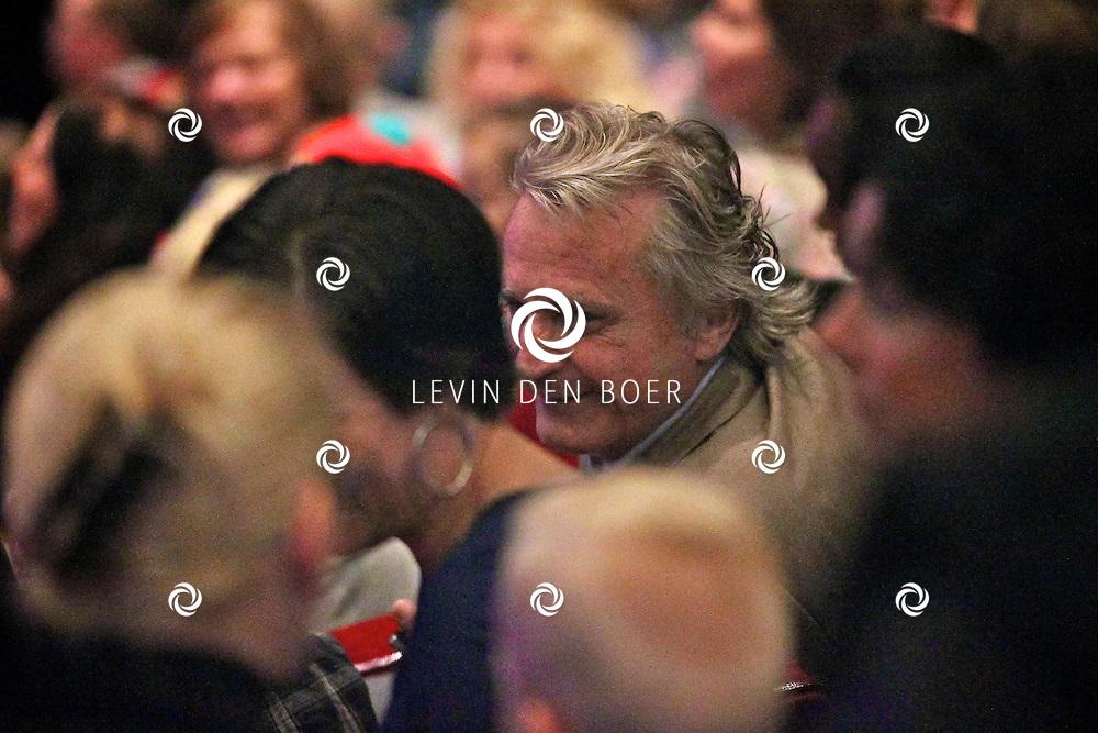 UTRECHT - In het Beatrix Theater is de premiere van de Plop Show de Fopkampioen door Kabouter Plop.  Met op de foto Hans Breukhoven met familie. FOTO LEVIN DEN BOER - PERSFOTO.NU