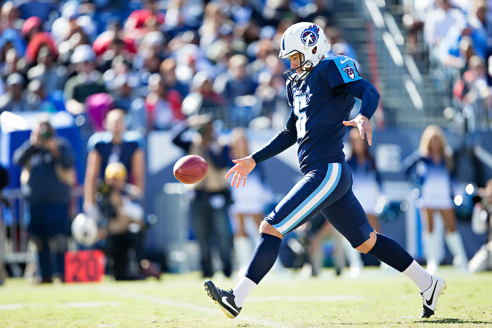 NASHVILLE, TN - OCTOBER 18:  Brett Kern #6 of the Tennessee Titans punts the ball during a game against the Miami Dolphins at LP Field on October 18, 2015 in Nashville, Tennessee.  The Dolphins defeated the Titans 38-10.  (Photo by Wesley Hitt/Getty Images) *** Local Caption *** Brett Kern