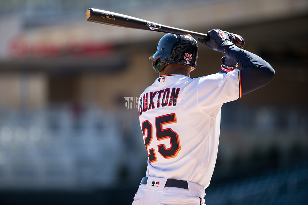 MINNEAPOLIS, MN- APRIL 6: Byron Buxton #25 of the Minnesota Twins bats against the Kansas City Royals on April 6, 2017 at Target Field in Minneapolis, Minnesota. The Twins defeated the Royals 5-3. (Photo by Brace Hemmelgarn) *** Local Caption *** Byron Buxton