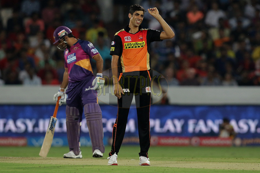 Ashish Nehra of Sunrisers Hyderabad during match 22 of the Vivo IPL 2016 (Indian Premier League ) between the Sunrisers Hyderabad and the Rising Pune Supergiants held at the Rajiv Gandhi Intl. Cricket Stadium, Hyderabad on the 26th April 2016<br /> <br /> Photo by Rahul Gulati / IPL/ SPORTZPICS