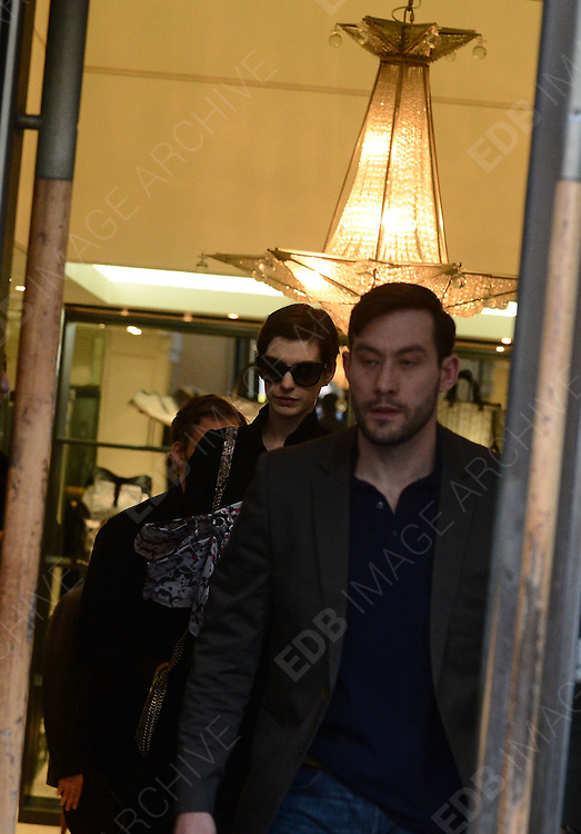 07.FEBRUARY.2013. PARIS<br /> <br /> ACTRESS ANNE HATHAWAY IS SPOTTED SHOPPING AT LANVIN BOUTIQUE ON SAINT-HONERE STREET IN PARIS, FRANCE. <br /> <br /> BYLINE: EDBIMAGEARCHIVE.CO.UK<br /> <br /> *THIS IMAGE IS STRICTLY FOR UK NEWSPAPERS AND MAGAZINES ONLY*<br /> *FOR WORLD WIDE SALES AND WEB USE PLEASE CONTACT EDBIMAGEARCHIVE - 0208 954 5968*