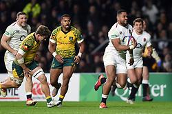 Joe Cokanasiga of England goes on the attack - Mandatory byline: Patrick Khachfe/JMP - 07966 386802 - 24/11/2018 - RUGBY UNION - Twickenham Stadium - London, England - England v Australia - Quilter International