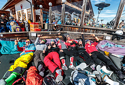 02.04.2018, Skizentrum Hochzillertal, Kaltenbach, AUT, JumpandReach Skitag, im Bild Christian Deuschl, Stefan Hayboeck, Michael Hayboeck, Stefan Kraft, Dominik Terzer, Elisabeth Raudaschl, Mario Seidl // during the Skiing Day after the Winterseason with the Austrian JumpandReach Athletes at the Skiresort Hochzillertal, Austria on 2018/04/02. EXPA Pictures © 2018, PhotoCredit: EXPA/ JFK