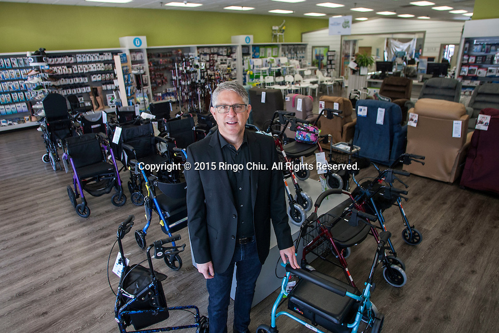 Wayne Slavitt owner of Mobul, home medical and mobility product stores.<br /> (Photo by Ringo Chiu/PHOTOFORMULA.com)