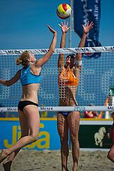 26-06-2011 VOLLEYBAL: EREDIVISIE BEACHVOLLEYBAL: HOLLUM AMELAND<br /> (L-R) Michelle Stiekema, Nienke de Waard<br /> &copy;2011-www.FotoHoogendoorn.nl / Peter Schalk