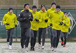 29.11.2010, Trainingsgelaende Werder Bremen, Bremen, GER, 1. FBL, Training Werder Bremen, im Bild Aaron Hunt (Bremen #14), Yann-Benjamin Kugel (Fitnesstrainer Werder Bremen), Clemens Fritz (Bremen #8), Tim Wiese (Bremen #1), Sebastian Prödl / Proedl (Bremen #15), Petri Pasanen (Bremen #3)   EXPA Pictures © 2010, PhotoCredit: EXPA/ nph/  Frisch       ****** out ouf GER ******