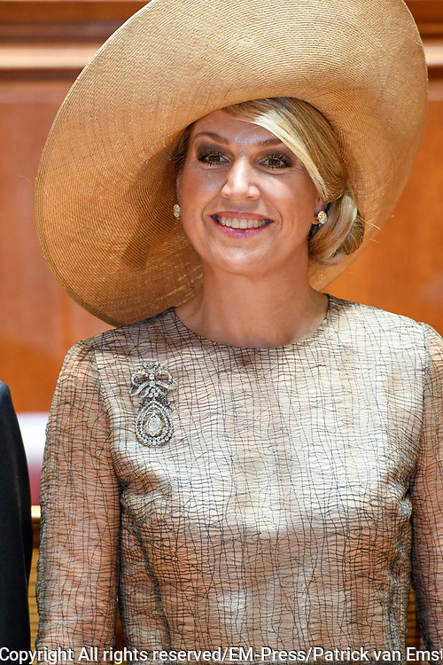 Staatsbezoek van Koning Willem Alexander en Koningin Máxima, aan de Portugese Republiek.<br /> <br /> Statevisit of King Willem Alexander and Queen Maxima to the republic of Portugal<br /> <br /> Op de foto / On the photo: Ontmoeting met Voorzitter in de  Palácio de São Bento / Meeting with President in Palácio de São Bento