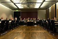 11 DEC 2003, BERLIN/GERMANY:<br /> Uebersicht Sitzungssaal vor Beginn der Sitzung des Vermittlungsausschusses, Bundesrat<br /> IMAGE: 20031211-02-041<br /> KEYWORDS: Übersicht