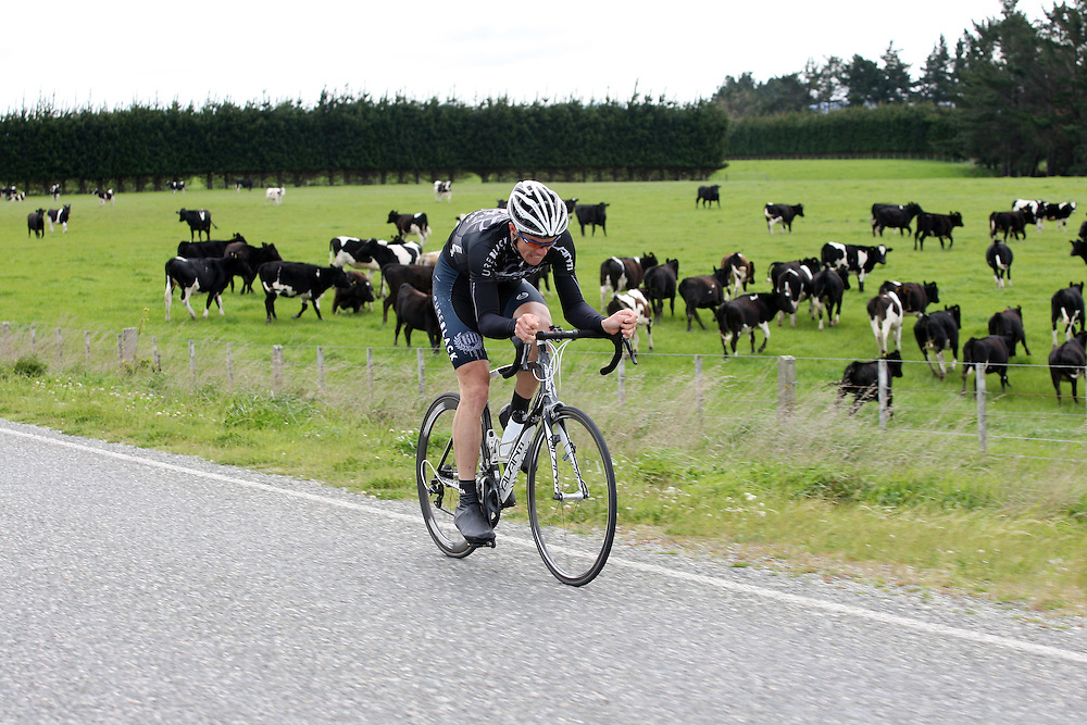 Pure Black Racing's Tim Gudsell, Te Awamutu, heads to the finish line in stage six of the PowerNet Tour of Southland, Gore, New Zealand, Friday, November 04, 2011. Credit:SNPA / Dianne Manson.
