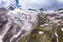 THEMENBILD - die Krefelder Hütte am Kitzsteinhorn, aufgenommen am 16. Juli 2019 in Kaprun, Österreich // the Krefeld hut at the Kitzsteinhorn, Kaprun, Austria on 2019/07/16. EXPA Pictures © 2019, PhotoCredit: EXPA/ JFK