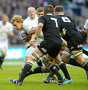 Twickenham, United Kingdom, Billy TWELVETREES, going for the gap during the 2013 QBE  AutumnRugby International, England vs New Zealand, played  Saturday  16/11/2013 at the RFU Stadium Twickenham,<br /> England. [Mandatory Credit: Peter Spurrier/Intersport<br /> Images}