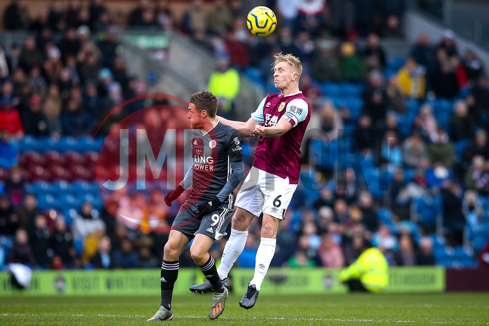 Ben Mee of Burnley beats Jamie Vardy of Leicester City to a header - Mandatory by-line: Robbie Stephenson/JMP - 19/01/2020 - FOOTBALL - Turf Moor - Burnley, England - Burnley v Leicester City - Premier League