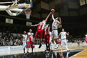 DESCRIZIONE : Bologna Lega A1 2006-07 VidiVici Virtus Bologna Siviglia Wear Teramo<br /> GIOCATORE : Blizzard<br /> SQUADRA : VidiVici Virtus Bologna<br /> EVENTO : Campionato Lega A1 2006-2007 <br /> GARA : VidiVici Virtus Bologna Siviglia Wear Teramo<br /> DATA : 21/01/2007 <br /> CATEGORIA : rimbalzo<br /> SPORT : Pallacanestro <br /> AUTORE : Agenzia Ciamillo-Castoria/G.Livaldi