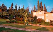 Israel, Jezreel, valley, Kibbutz Tel Yosef, houses and gardens in the Kibbutz