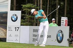 25.06.2015, Golfclub München Eichenried, Muenchen, GER, BMW International Golf Open, Tag 1, im Bild Rafa Cabrera-Bello (ESP) am Abschlag, Tee // during day one of the BMW International Golf Open at the Golfclub München Eichenried in Muenchen, Germany on 2015/06/25. EXPA Pictures © 2015, PhotoCredit: EXPA/ Eibner-Pressefoto/ Kolbert<br /> <br /> *****ATTENTION - OUT of GER*****