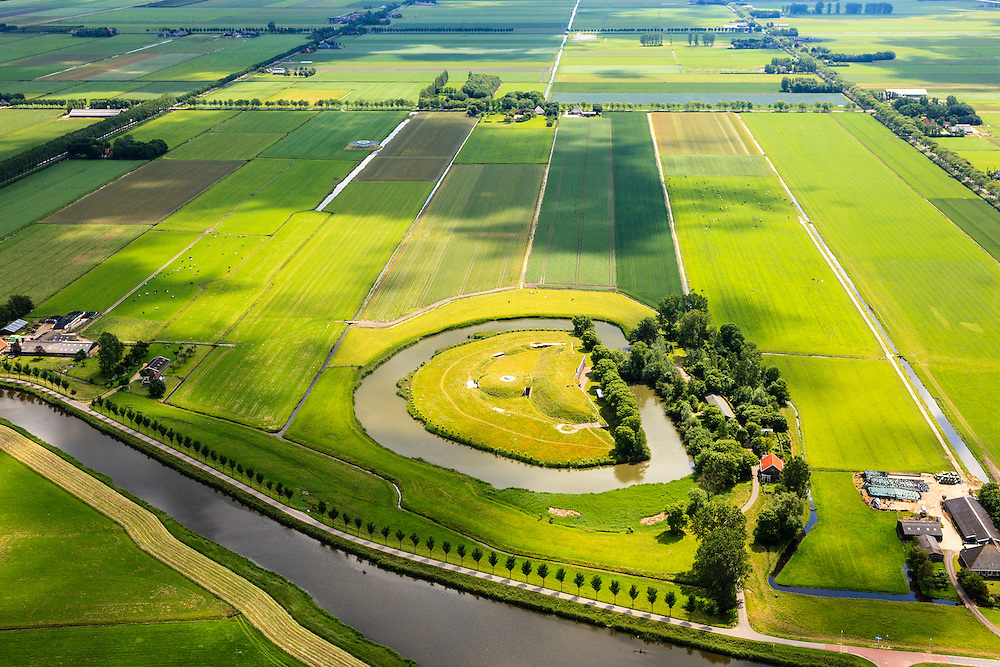 Nederland, Noord-Holland, Beemster, 14-06-2012; De Beemster, 400 jaar 1612 - 2012. Overzicht met Fort Spijkerboor in de voorgrond en de Westdijk van de Beemsterrringvaart. De 17e eeuwse droogmakerij, met haar  beroemde geometrische verkaveling, maakt deel uit van het wereld erfgoed (Unesco werelderfgoedlijst)..Fortress Spijkerboor, part of the Defensive Line of Amsterdam also world heritage. The famous geometrical well-ordered polder Beemster, 17th century  reclaimed landscape, Unesco world heritage..luchtfoto (toeslag), aerial photo (additional fee required);.copyright foto/photo Siebe Swart