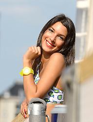 16-07-2014 NED: FIVB Grand Slam Beach Volleybal, Apeldoorn<br /> Poule fase groep A mannen - Centercourt Markt Apeldoorn FIVB dance girl met Swatch horloge