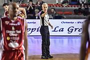 DESCRIZIONE : Campionato 2014/15 Virtus Acea Roma - Giorgio Tesi Group Pistoia<br /> GIOCATORE : Roberto Chiari<br /> CATEGORIA : Arbitro Referee Mani<br /> SQUADRA : AIAP<br /> EVENTO : LegaBasket Serie A Beko 2014/2015<br /> GARA : Dinamo Banco di Sardegna Sassari - Giorgio Tesi Group Pistoia<br /> DATA : 22/03/2015<br /> SPORT : Pallacanestro <br /> AUTORE : Agenzia Ciamillo-Castoria/GiulioCiamillo<br /> Predefinita :