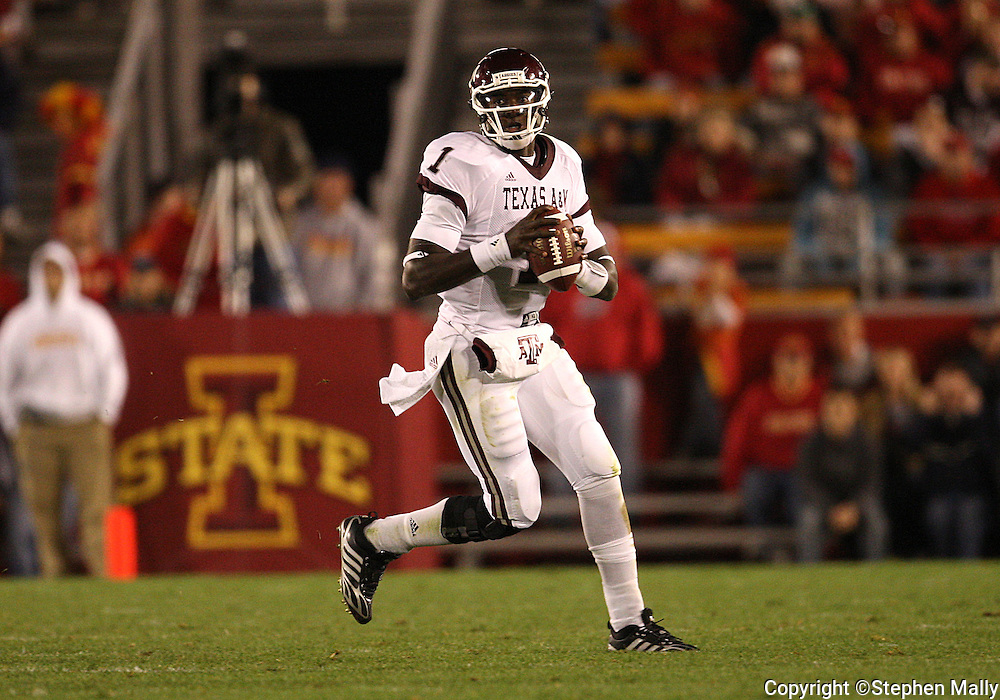 25 OCTOBER 2008: Texas A&M quarterback Jerrod Johnson (1) in the second half of an NCAA college football game between Iowa State and Texas A&M, at Jack Trice Stadium in Ames, Iowa on Saturday Oct. 25, 2008. Texas A&M beat Iowa State 49-35.