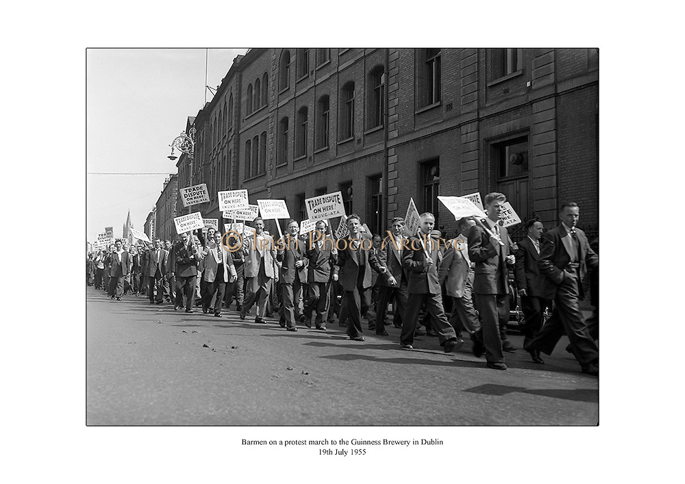Barmen on a protest march to the Guinness Brewery in Dublin.<br />
