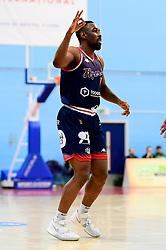 Raphell Thomas-Edwards of Bristol Flyers - Photo mandatory by-line: Ryan Hiscott/JMP - 17/01/2020 - BASKETBALL - SGS Wise Arena - Bristol, England - Bristol Flyers v London City Royals - British Basketball League Championship