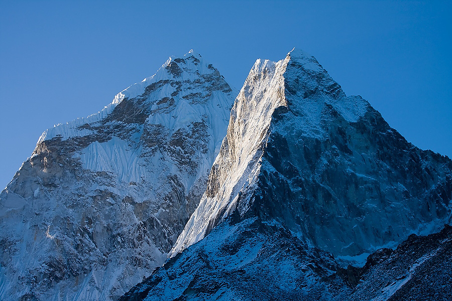 Ama Dablam (6848m) at sunrise, as seen from Dingboche, Khumbu (Mount Everest) region, Sagarmatha National Park, Himalaya Mountains, Nepal.
