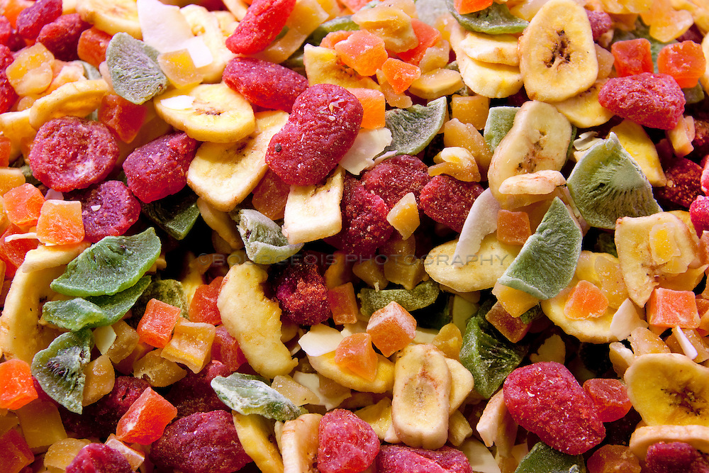 freeze dried and dry fruit mix
