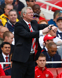 01.05.2011, Emirates Stadium, London, ENG, PL, Arsenal vs Manchester United, im Bild Alex Ferguson Manager of Manchester United asking for more time.Barclays Premier League.Arsenal v Manchester United.at Emirates Stadium, London on 01/05/2011, EXPA Pictures © 2011, PhotoCredit: EXPA/ IPS/ Kieran Galvin *** ATTENTION *** UK AND FRANCE OUT!