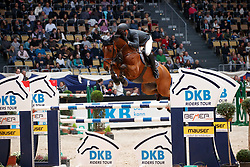 Estermann, Paul (SUI), Lord Pepsi<br /> München - Munich Indoors 2016<br /> Grosser Preis der Deutschen Kreditbank, Finale der DKB-Riders Tour<br /> © www.sportfotos-lafrentz.de / Stefan Lafrentz