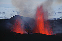 FimmvÜrduhalsi Eruption 2010  Iceland
