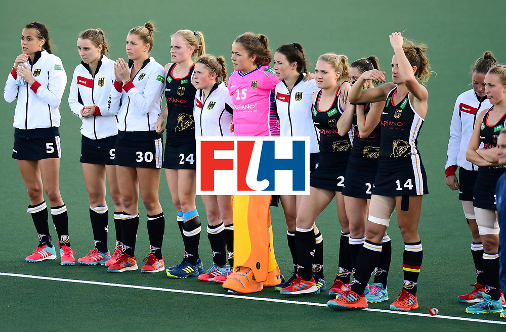 AUCKLAND - Sentinel Hockey World League final women<br /> Match id: 10303<br /> 13 GER v KOR (QF) 3-3<br /> Korea in to semi after shoot out.<br /> Foto:Concentrating German team in the shoot out.<br /> WORLDSPORTPICS COPYRIGHT FRANK UIJLENBROEK