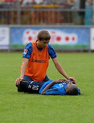 29.07.2010,  Training 1860 München in Wörgl, Moritz Leitner (oben, 1860) and Savio Nsereko (1860) stretch together