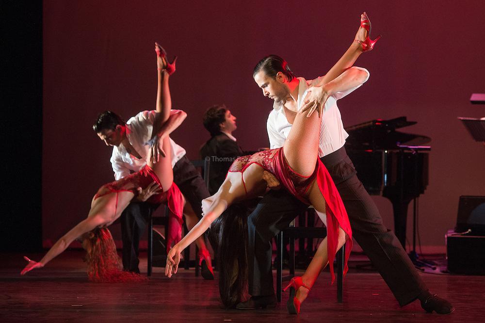 The Full Company of Tango Fire perform Verno Porteno
