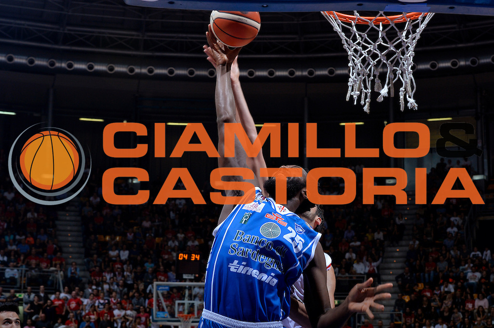 Gabriel Olaseni<br /> Grissin Bon Pallacanestro Reggio Emilia - Banco di Sardegna Dinamo Sassari<br /> Lega Basket Serie A 2016/2017<br /> Bologna, 08/10/2016<br /> Foto Ciamillo-Castoria