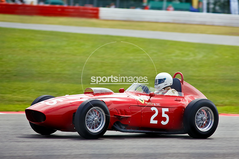 Car No 25 heads around Luffield. Silverstone CLassic - Pre '66 F1- 25/7/10.