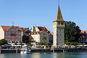 Hafen von Lindau mit Mangturm, Bodensee, Bayern, Deutschland