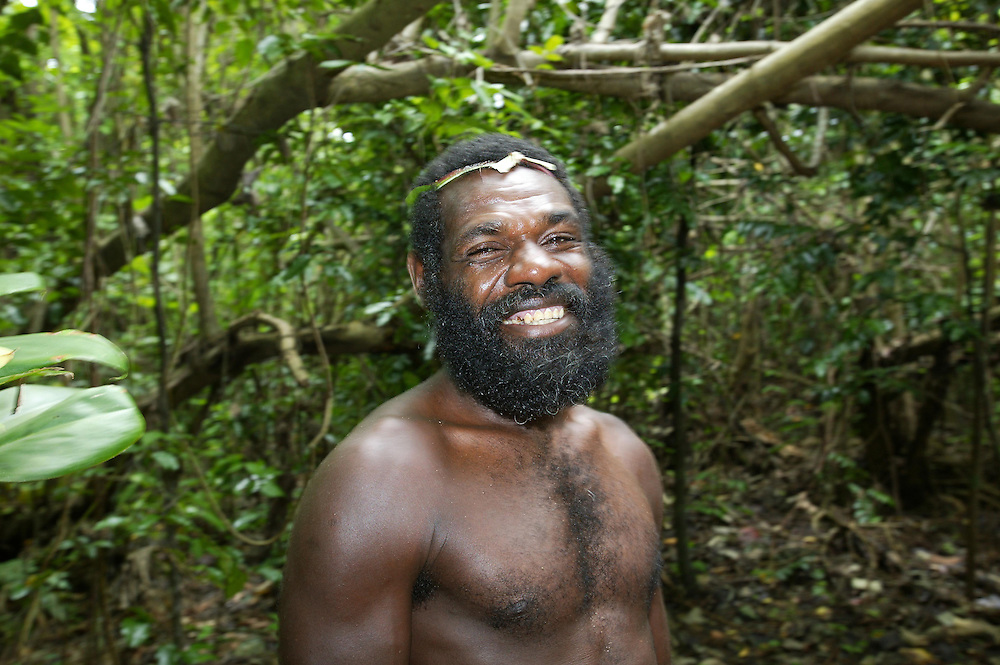 A native warrior is proud to show visitors around his village at Eratap, Port Vila, Vanuatu, January 30, 2006. Credit:SNPA / Rob Tucker