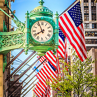 Chicago clock photo. The clock is on Macy's (Marshall Field's) building downtown Chicago.