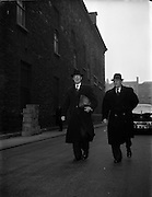 04/02/1953<br /> 02/04/1953<br /> 04 February 1953<br /> Eamon de Valera arriving at Leinster House at the resumption of the Dail after Christmas recess.