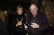 Sabrina Guinness and Clive James, For One Night Only...Fundraiser For the South Bank Centre. Purcell Room, Royal Festival Hall.4 December  2005. ONE TIME USE ONLY - DO NOT ARCHIVE  © Copyright Photograph by Dafydd Jones 66 Stockwell Park Rd. London SW9 0DA Tel 020 7733 0108 www.dafjones.com