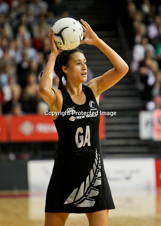 New Zealand's Maria Tutaia looks to pass during the New World Quad Series - Silver Ferns v Australian Diamonds, 1 November 2012.  Photo:  Bruce Lim / www.photosport.co.nz