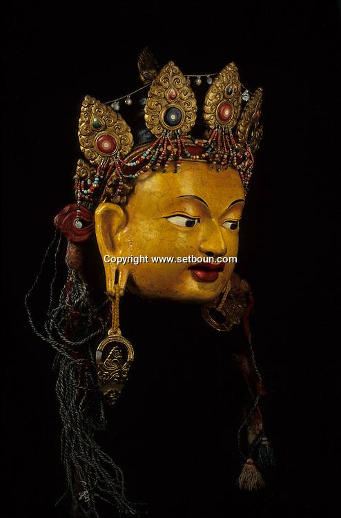 Mongolia. offerers  -  masque danse tsam 19em s (papier mache) (Monastère-musee de TCHOIJIN LAMYN SUM, Oulan Bator  Oulanbator  Mongolie