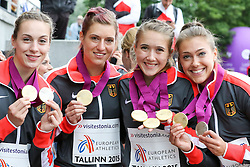 12.07.2015, Kadriorg Stadion, Tallinn, EST, U23 Leichtathletik EM, Tallinn, im Bild Rebekka Haase (GER), Amelie-Sophie Lederer (GER), Anna-Lena Freese (GER) und Alexandra Burghardt (GER) // Rebekka Haase (GER), Amelie-Sophie Lederer (GER), Anna-Lena Freese (GER) und Alexandra Burghardt (GER) gold medalist in the women??s 4x100m Relay U23 Championships at the Kadriorg Stadion in Tallinn, Estland on 2015/07/12. EXPA Pictures © 2015, PhotoCredit: EXPA/ Eibner-Pressefoto/ Fusswinkel<br /> <br /> *****ATTENTION - OUT of GER*****