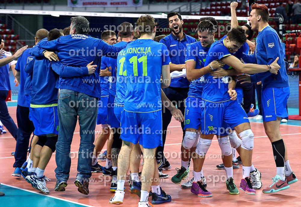 Team Slovenia celebrates after winning during volleyball match between National teams of Poland and Slovenia in Quarterfinals of 2015 CEV Volleyball European Championship - Men, on October 14, 2015 in Arena Armeec, Sofia, Bulgaria. Photo by Ronald Hoogendoorn / Sportida