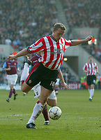 Southampton's Kevin Davies scores in the last minute to make the game all square