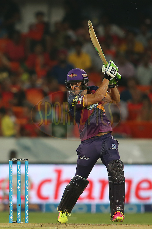 Faf du Plesis of Rising Pune Supergiants plays a delivery off the back foot during match 22 of the Vivo IPL 2016 (Indian Premier League) between the Sunrisers Hyderabad and the Rising Pune Supergiants held at the Rajiv Gandhi Intl. Cricket Stadium, Hyderabad on the 26th April 2016<br /> <br /> Photo by Shaun Roy / IPL/ SPORTZPICS