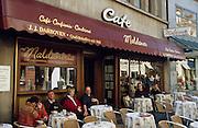 Deutschland Germany Hessen.Hessen, Wiesbaden.Cafe Maldaner in der Marktstra§e, Stra§encafe., ...