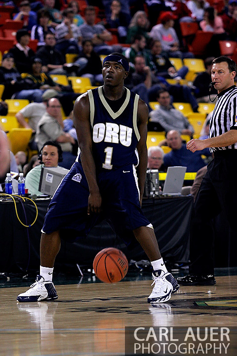 26 November 2005: ORU's Ken Tutt (1) in the Oral Roberts University 62-54 victory over Monmouth University in the Great Alaska Shootout in Anchorage, Alaska.