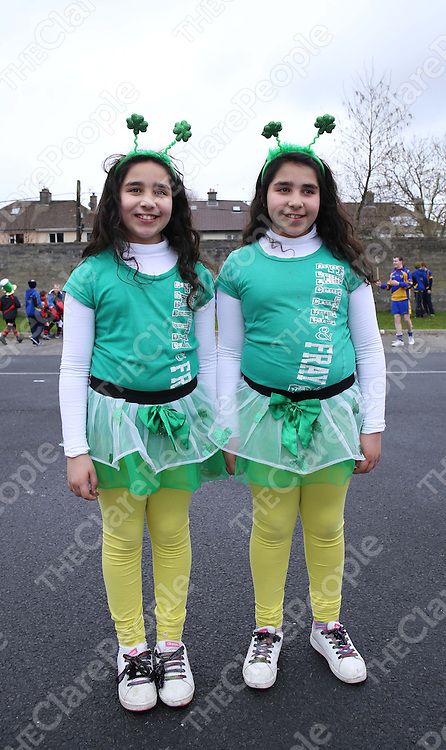 17/3/14 Picured at the start of The St patricks Day Parade in Ennis were sisters Nareman and Kamila Hussein. Pic Tony Grehan / Press 22